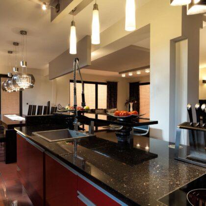 מטבח באיכות גבוהה ובעיצוב מרהיב דגם בלאק מריבל