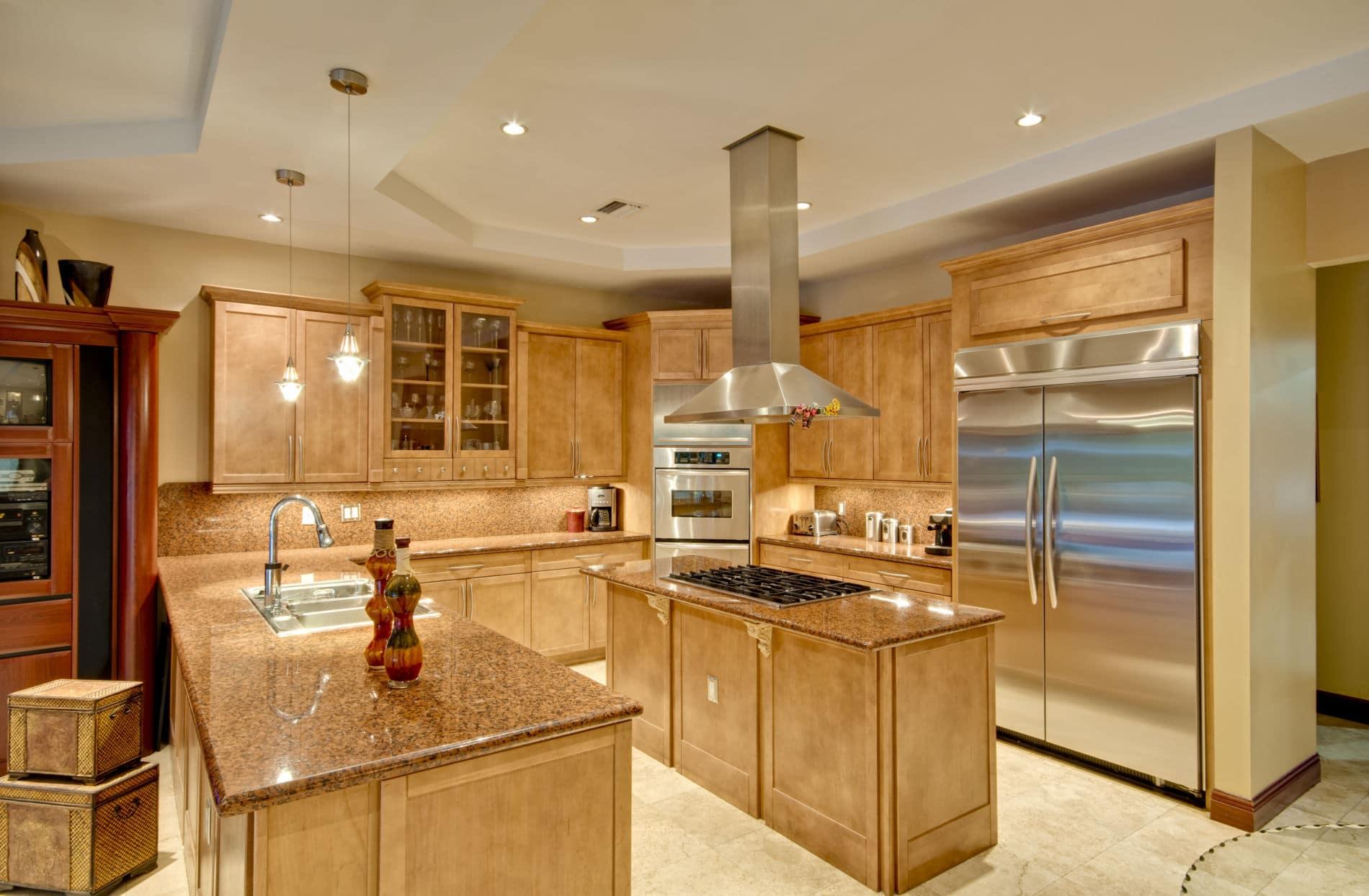 מטבח כפרי מעץ ושיש דגם גולד פרימיום