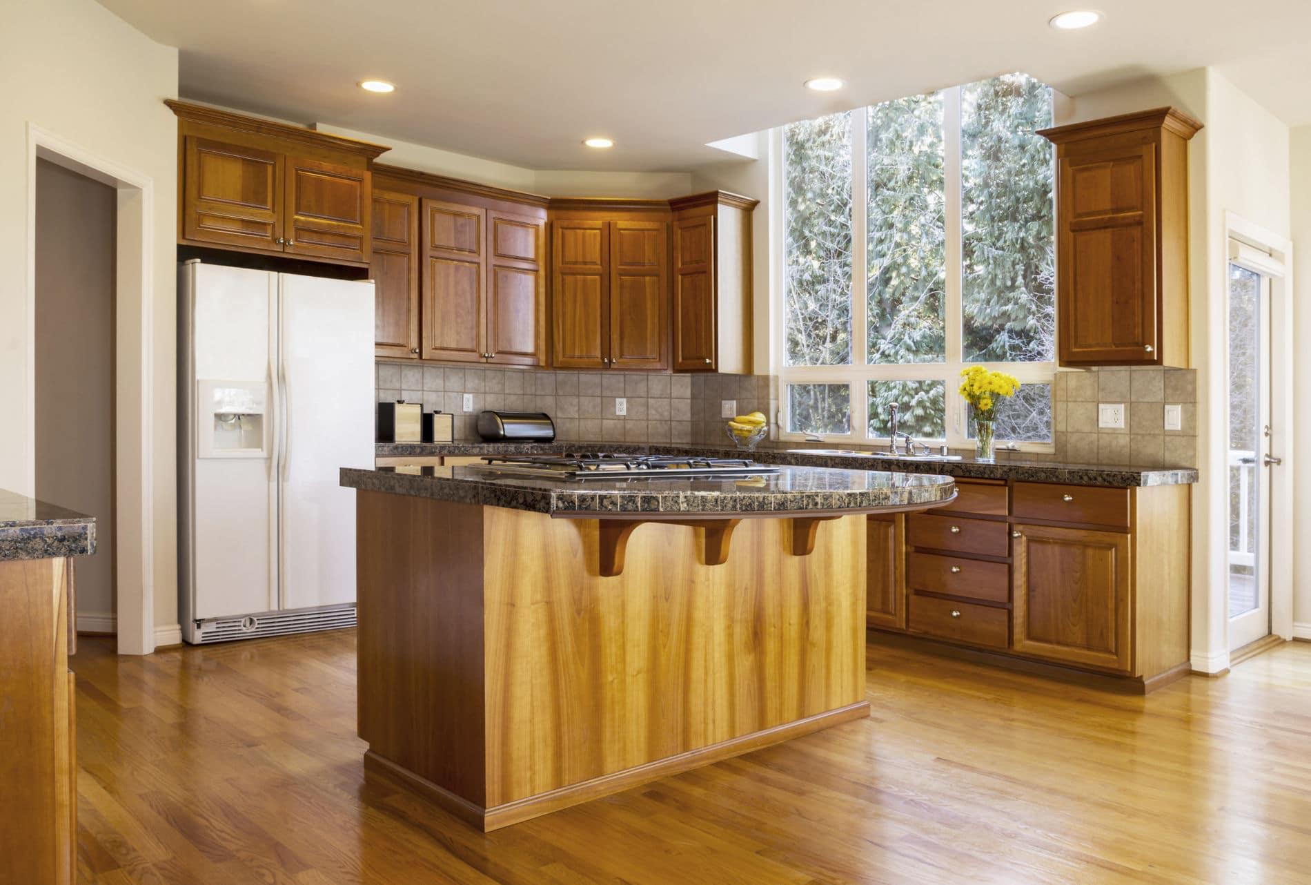 מטבח בעיצוב מרשים מעץ דגם Q2