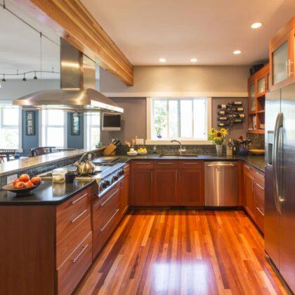 מטבח כפרי איכותי מעץ במחיר משתלם דגם קולומביה