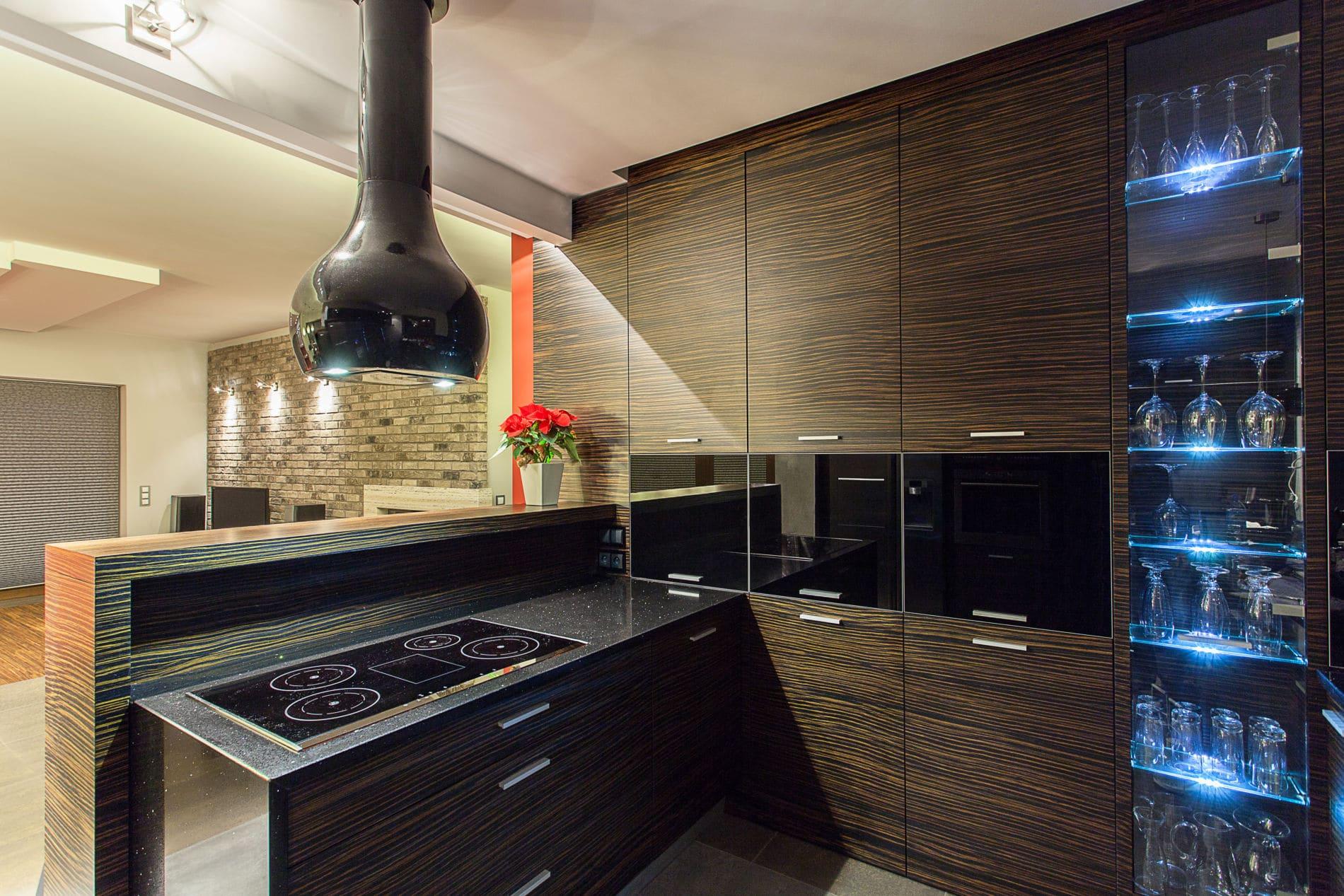 מטבח בעיצוב מרשים דגם בלאק גרניט