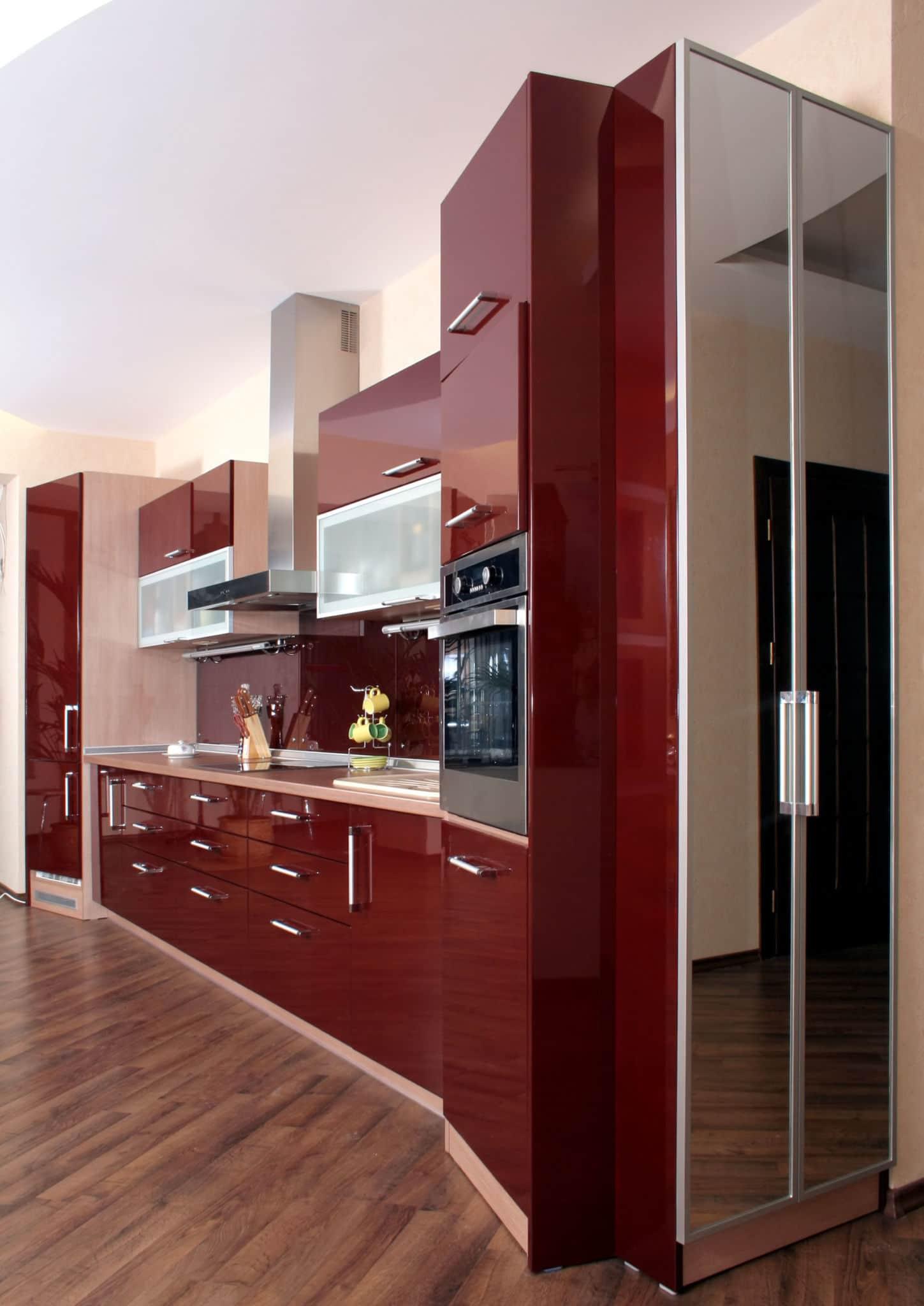 מטבח מודרני בצבע אדום - מטבח באיכות גבוהה