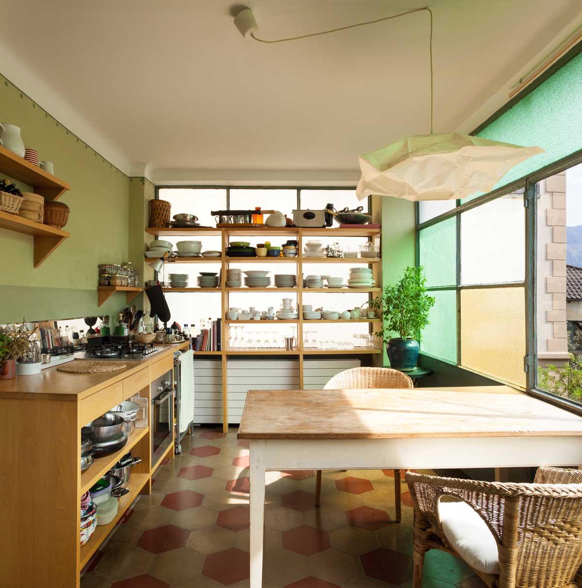מטבחים מעץ מוכרי ציוד למטבחים מאובזרים מומחים עם מקצועיות ומיומנות ועם הרבה מוטיבציה ומומחים להקמת אי במטבח מכל חומר תוך כדי תחזוקת מטבחים