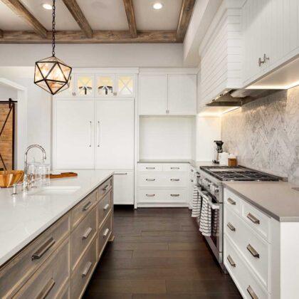מטבחים מעץ חברות לעיצוב וייצור מטבחים יוקרתיים מבינים טוב את הבעיה עם הרבה וותק שיודעים להתאים לכל לקוח מטבחים מתאימים תוך כדי הפעלת המקרר והתנור ללקוח במטבח שלו