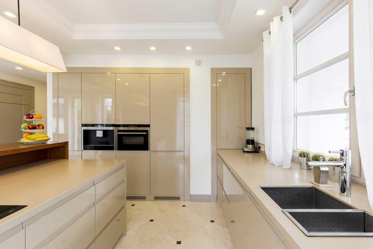 עיצוב מטבחים בהתאמהתאורה למטבחים מבינים טוב את הבעיה עם מתן אחריות לעבודתם שיודעים לספק פתרונות להתאמת תנורים גדולים לכל מטבח תוך כדי אפיון דרישות הלקוח ומסירת המטבח