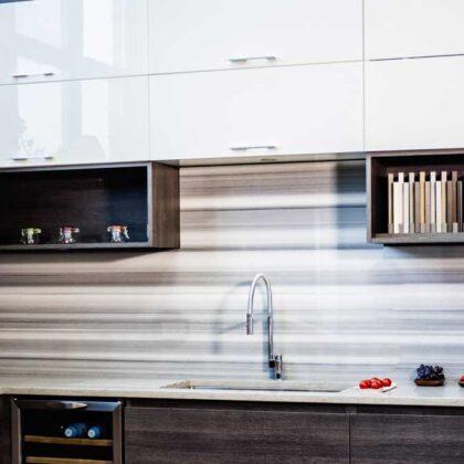 מטבחים מעץ תאורה למטבחים מקצועיים עם הרבה ידע בתחום השירות ואספקת מטבחים שיודעים לספק כל סוגי המטבחים לכל דורש תוך כדי חיבור הכיריים החשמליים ובדיקת תקינותם
