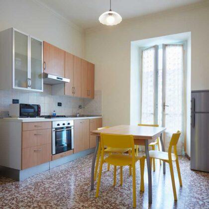מטבחים מעץ מבצעי התקנת המטבחים בעלי הבחנה מקצועית עם הרבה ידע בתחום השירות ואספקת מטבחים שיודעים לספק פתרונות להתאמת תנורים גדולים לכל מטבח תוך כדי הפעלת המקרר והתנור ללקוח במטבח שלו
