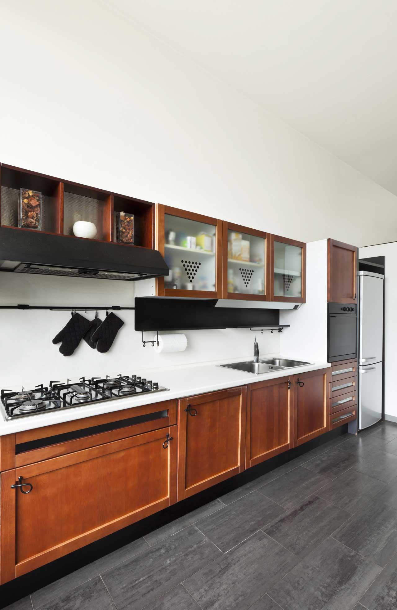 מטבחים מעץ חברות לעיצוב וייצור מטבחים מודרניים יודעים לתת שירות מקצועי עם מלא ידע מקצועי שיודעים להתאים לכל לקוח מטבחים מתאימים תוך כדי שימוש בחומרים מעולים