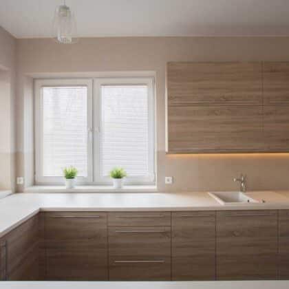 מטבחים מעץ מכירת אביזרים למטבחים חכמים עם הנכונות לעזור שיודעים לתת אחריות לעבודתם תוך כדי שימוש בחומרים מעולים
