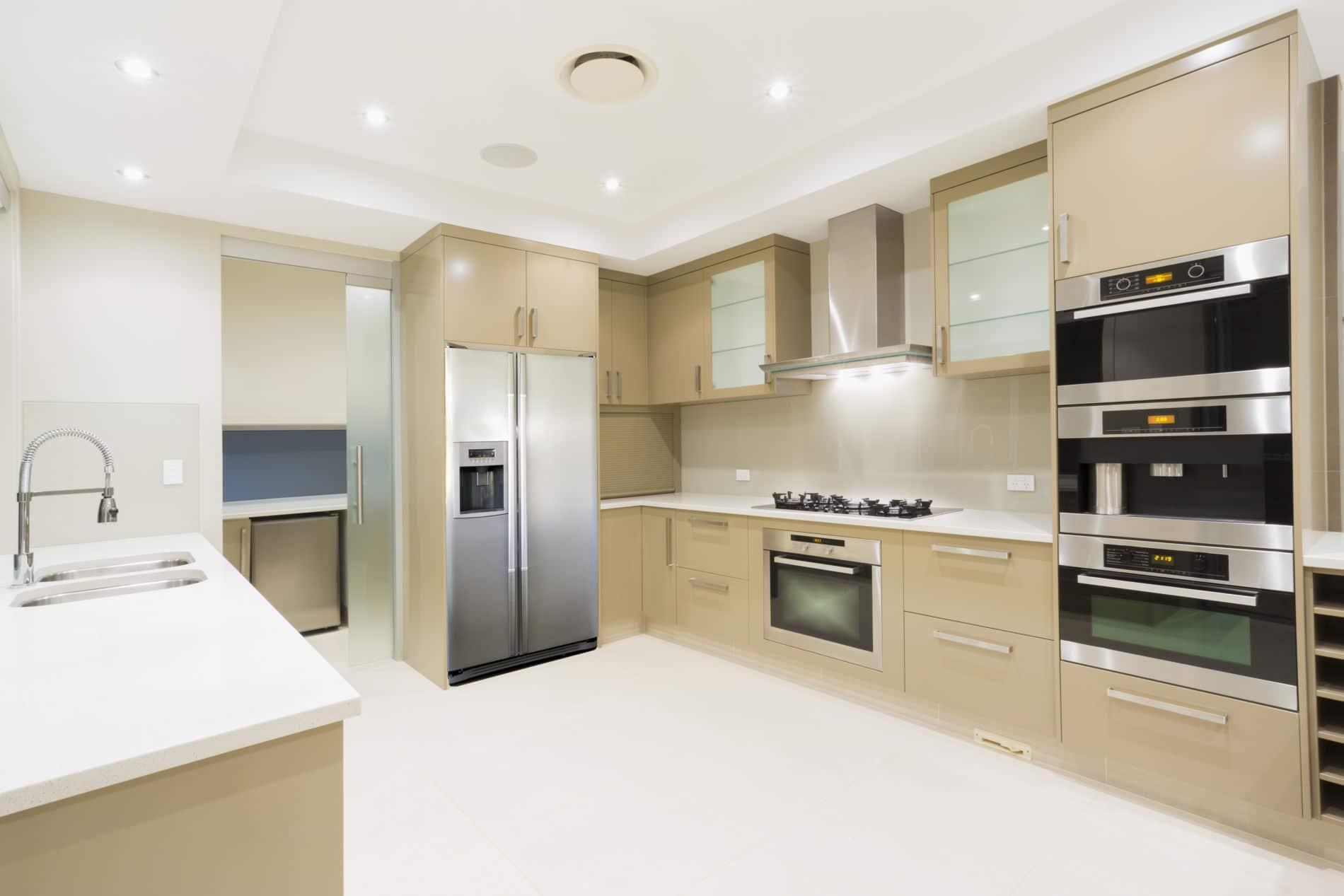 מטבח קרמל - מטבח בעיצוב בודרני