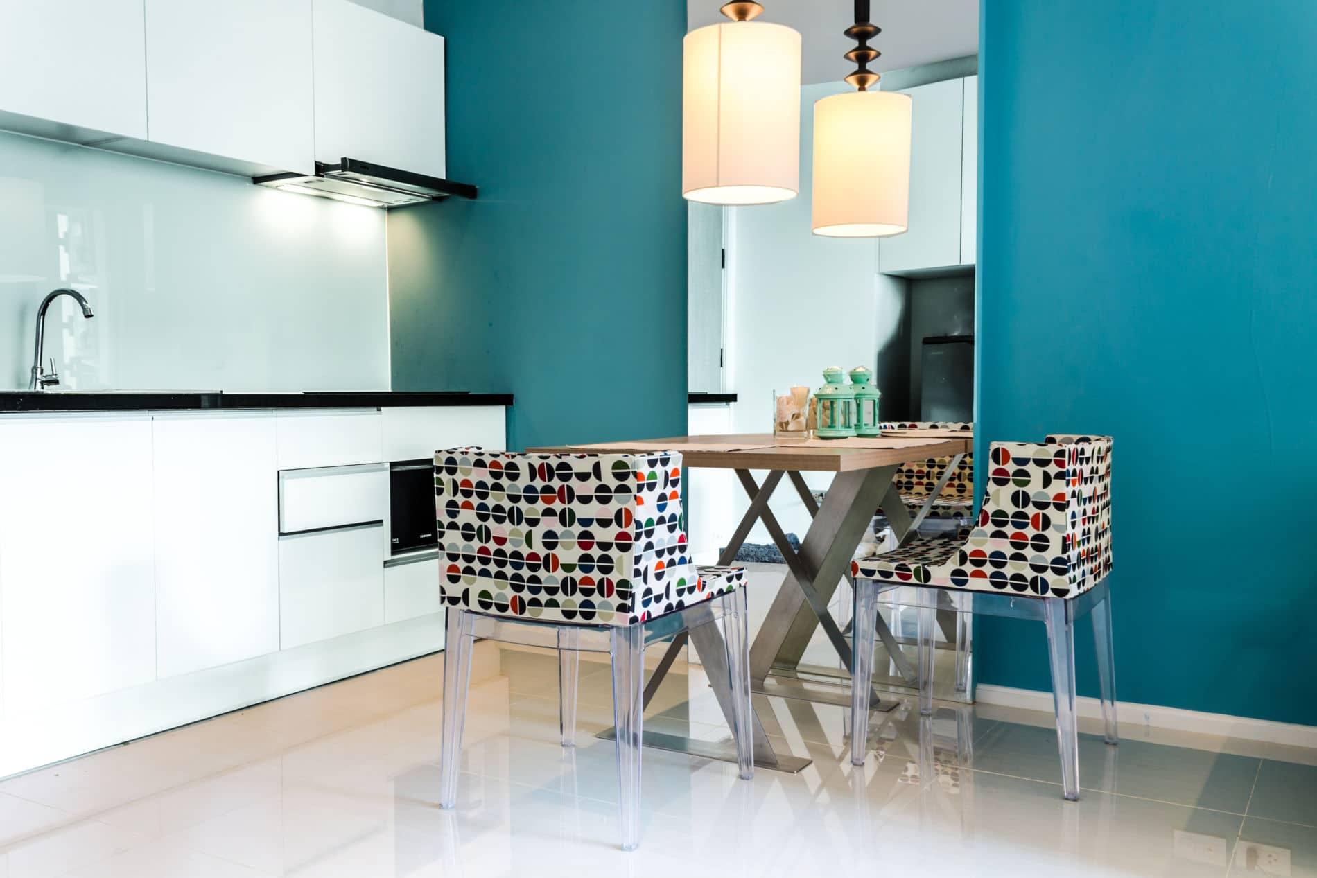 מטבחים מודרניים מעוצבים - מטבח מודרני בצבע תכלת