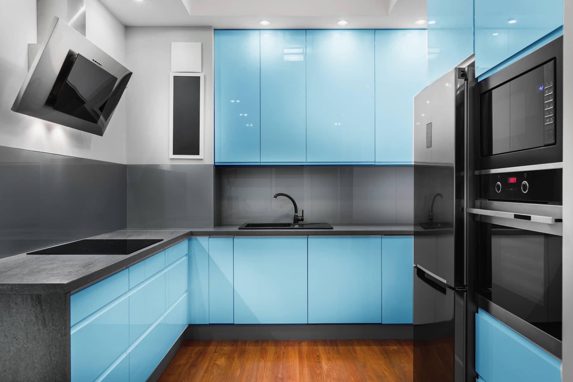 מטבחים מעץ חברות מוכרות לעיצוב והרכבת מטבחים חכמים עם הרבה וותק שיודעים לספק כל סוגי המטבחים לכל דורש תוך כדי הפעלת המקרר והתנור ללקוח במטבח שלו
