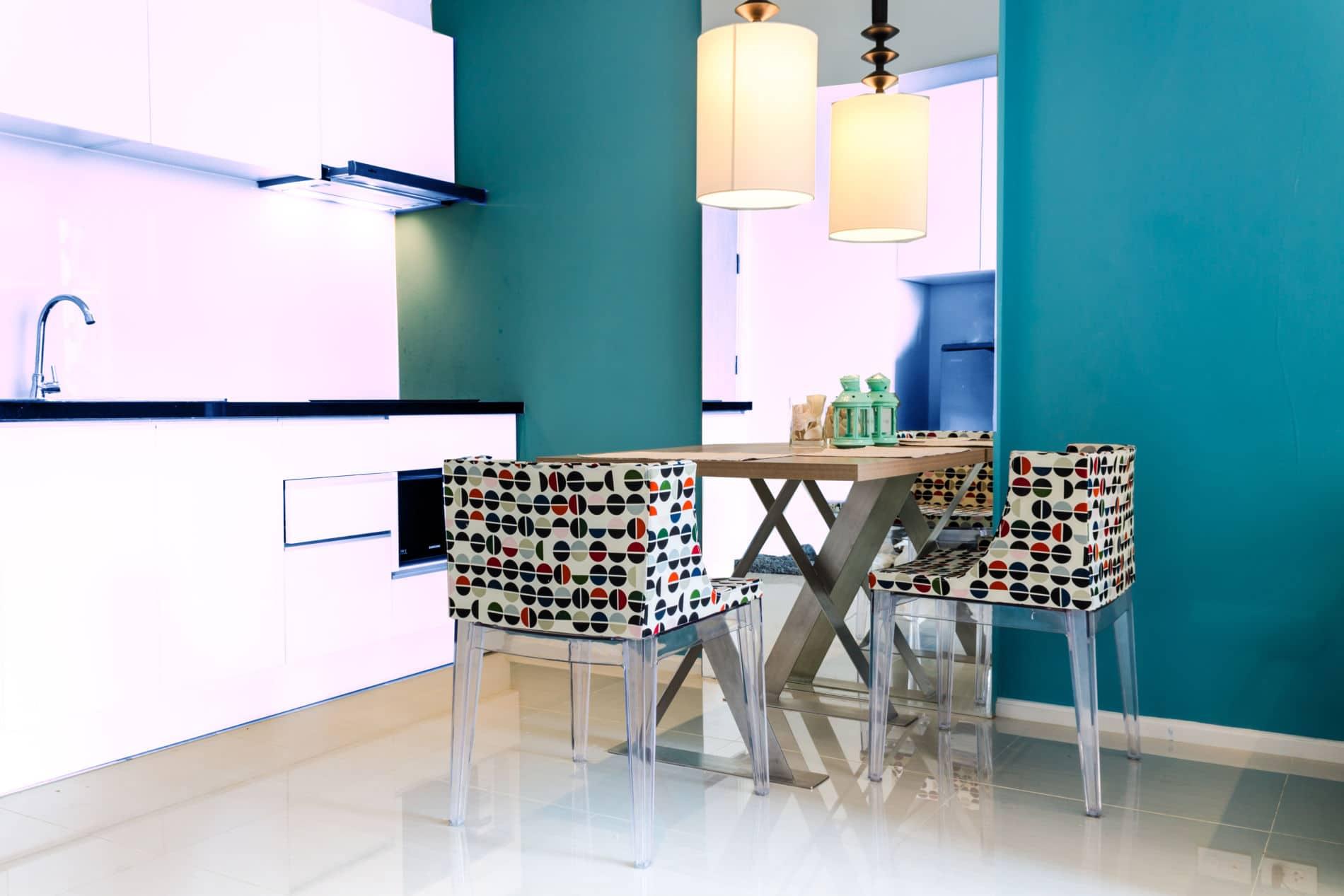 קולקציית מטבחים מודרניים מעוצבים בצבעים ובהתאמה אישית.