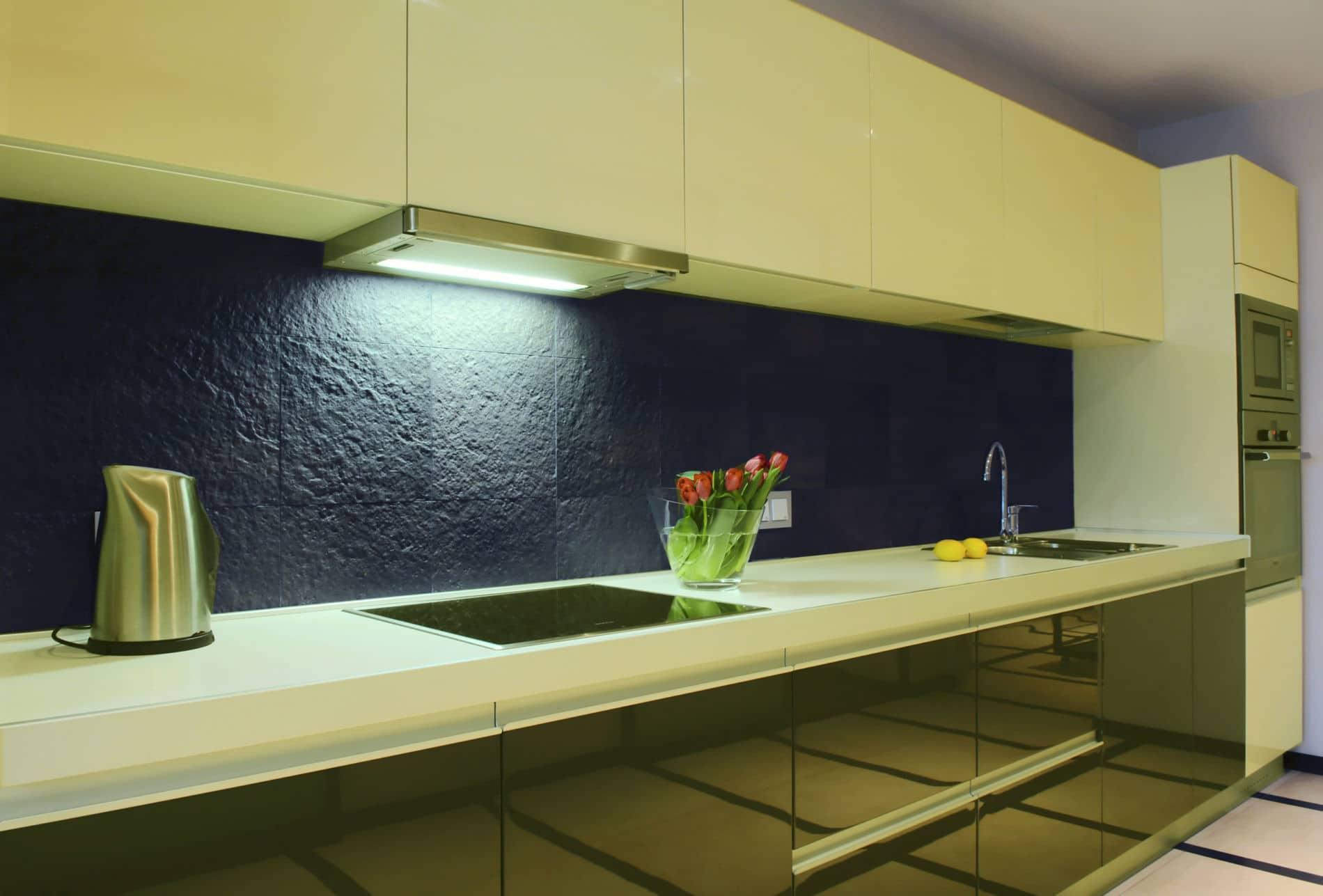 מטבחים מעץ מוכרי המטבחים אמינים עם נכונות לתת שירות מקצועי שיודעים לספק כל סוגי המטבחים לכל דורש תוך כדי חיבור הכיריים החשמליים ובדיקת תקינותם