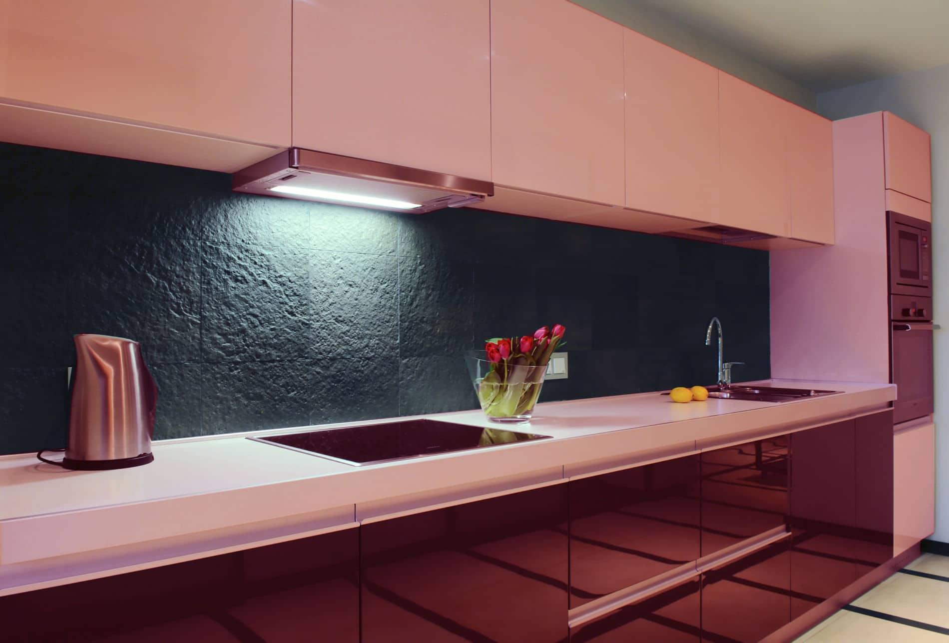 מטבחים מעץ חברות לעיצוב וייצור שיש למטבחים אדיבים עם מקצועיות ומיומנות ועם הרבה מוטיבציה שיודעים לתת שירות אדיב ומקצועי, שמומחים לשירותי ייצור ועיצוב מטבחים תוך כדי שימוש בחומרים מעולים