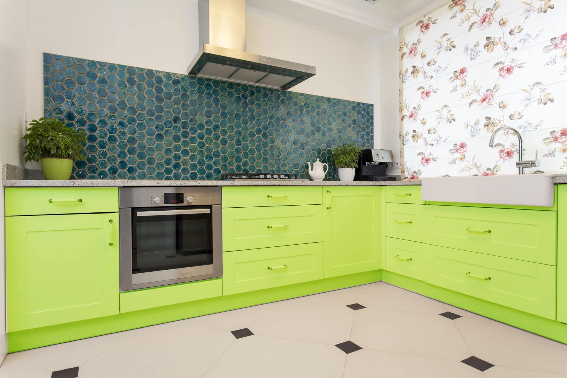 קולקציית מטבחים מודרניים מעוצבים בשלל צבעים.