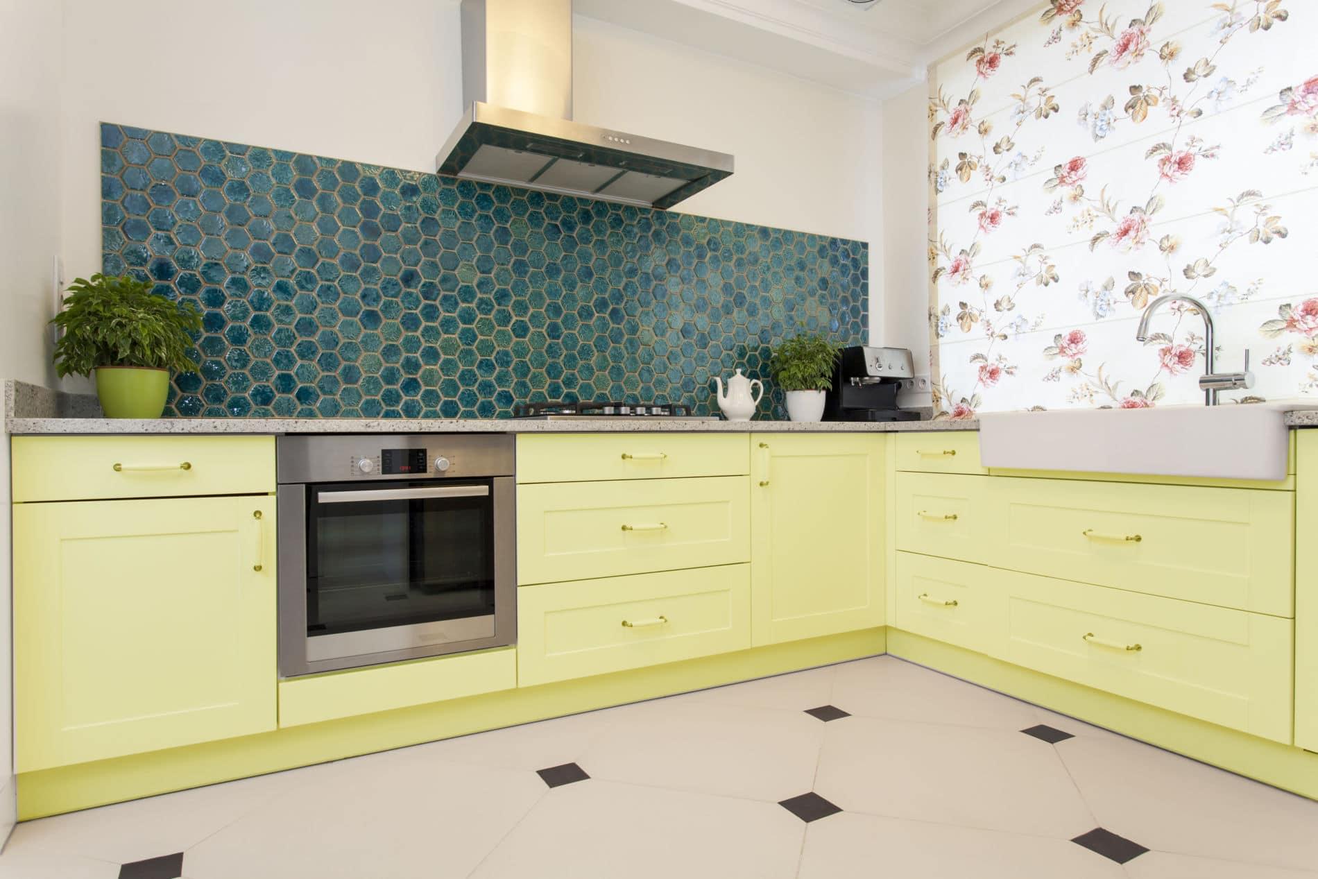 מטבחים מודרניים - מטבח מודרני מעוצב בצהוב
