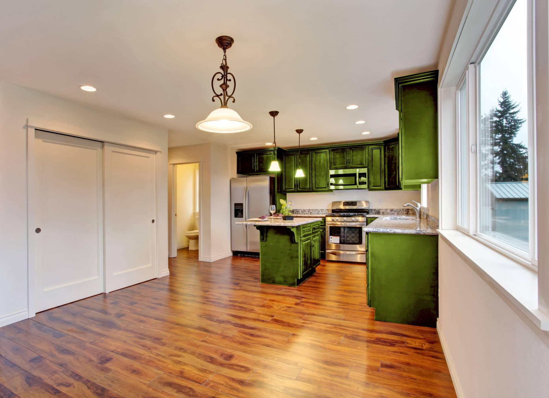 מטבחים מעץ בעלי החברות לעיצוב והרכבה של מטבחים עם ציוד מקצועי עם ניסיון רב בשנים שיודעים לספק פתרונות להתאמת תנורים גדולים לכל מטבח תוך כדי אפיון דרישות הלקוח ומסירת המטבח
