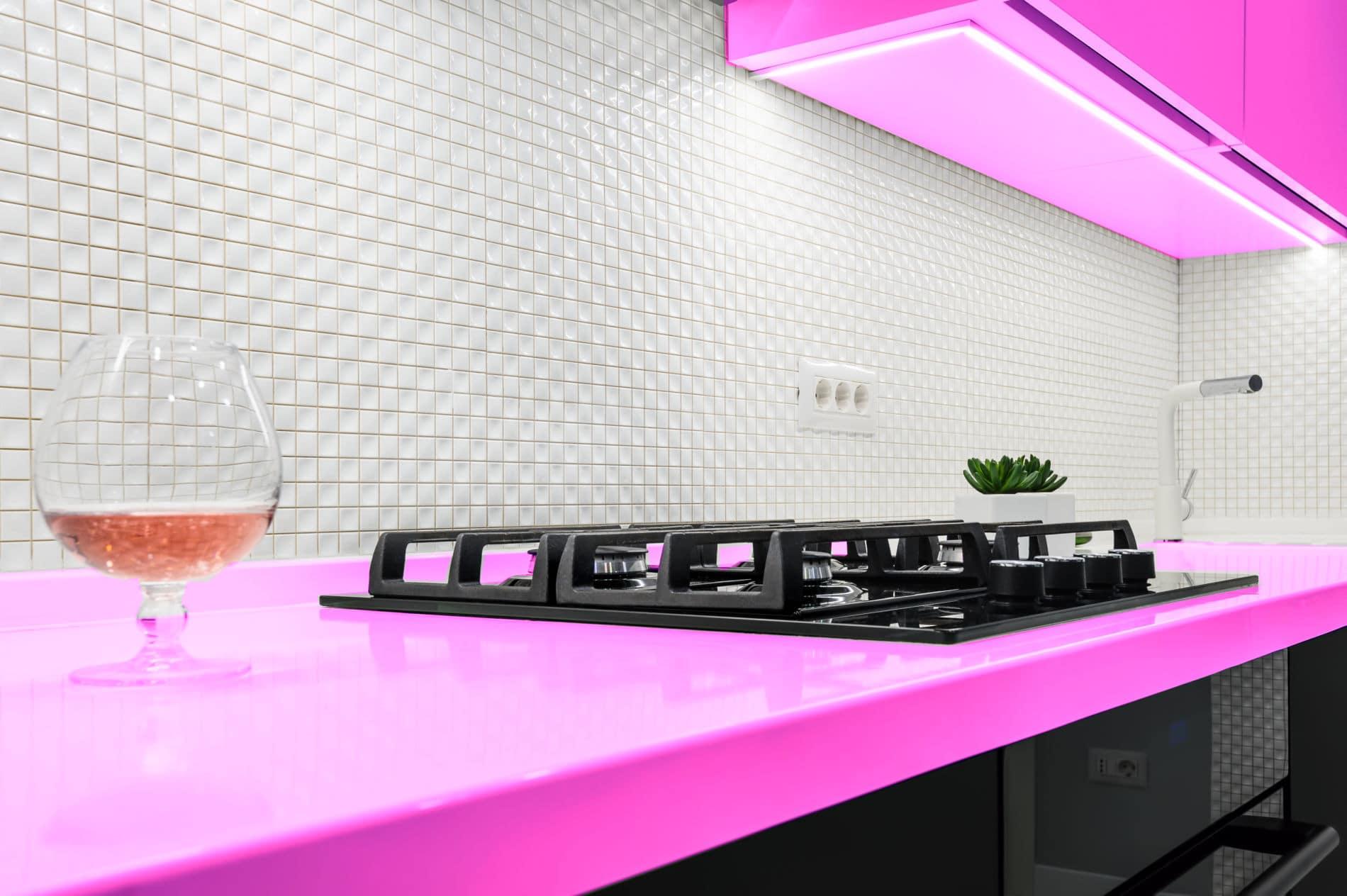 מטבחים מעץ חברות לעיצוב וייצור מטבחים מודרניים מקצועיים בתחום מטבחי יוקרה עם הרבה וותק שיודעים לתת שירות אדיב ומקצועי, שמומחים לשירותי ייצור ועיצוב מטבחים תוך כדי חיבור הכיריים החשמליים ובדיקת תקינותם