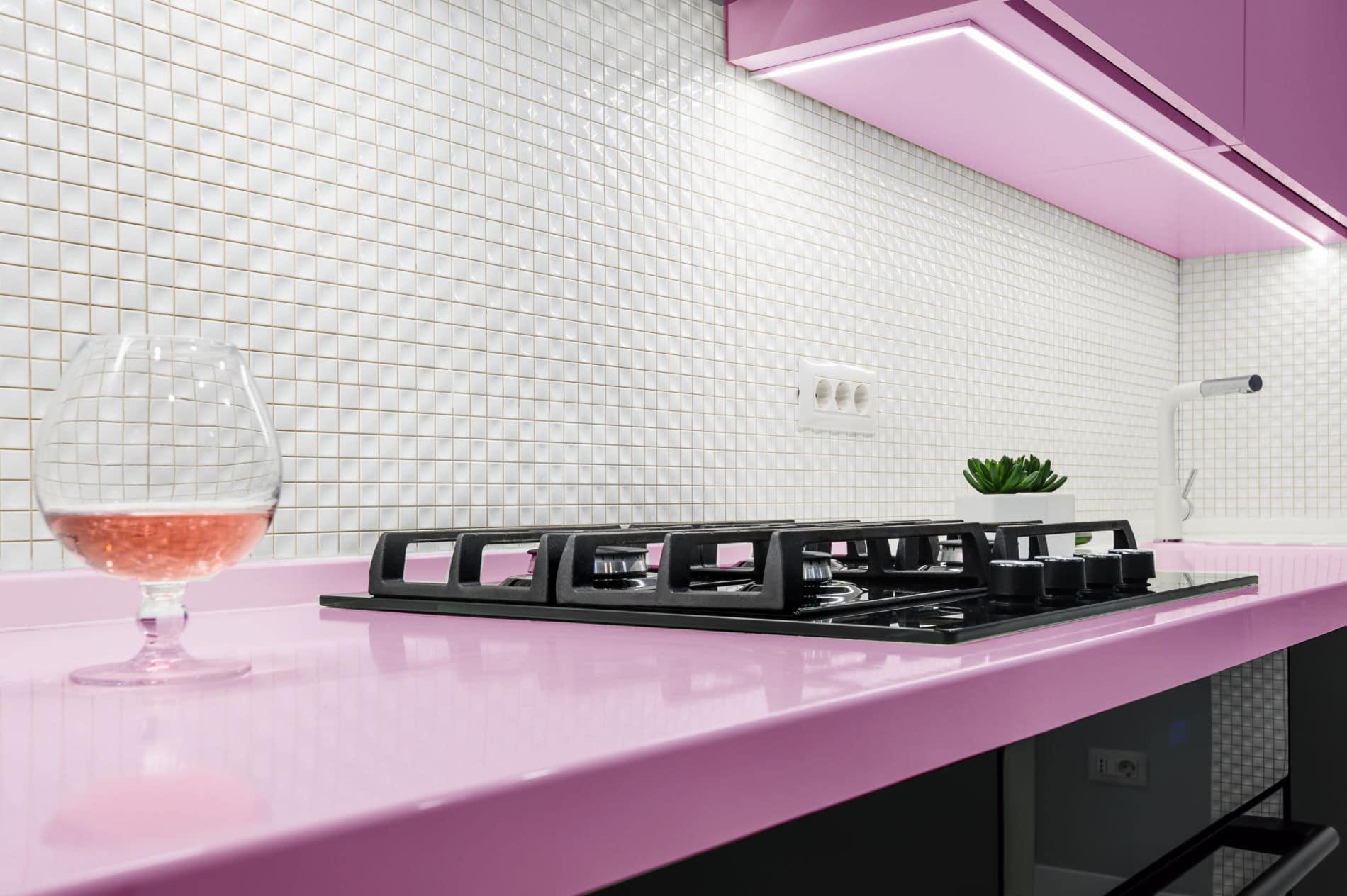 מטבחים מעץ חברות שמוכרות כיורים יוקרתיים למטבחים בעלי שנות ניסיון עם נכונות לתת שירות מקצועי שיודעים לספק כל סוגי המטבחים לכל דורש תוך כדי הפעלת המקרר והתנור ללקוח במטבח שלו
