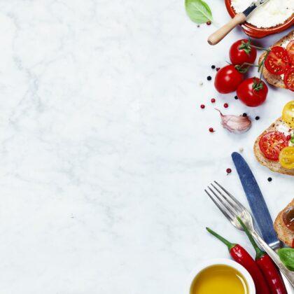מטבחים מעץ בעלי החברות לעיצוב והרכבה של מטבחים מנוסים עם הרבה וותק שיודעים לתת אחריות לעבודתם תוך כדי הפעלת המקרר והתנור ללקוח במטבח שלו