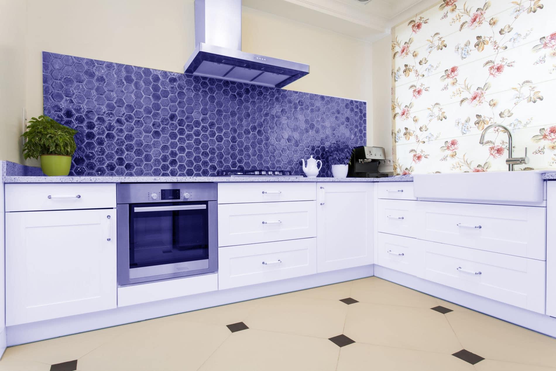 עיצוב מטבחים בהתאמהחברות לעיצוב וייצור מטבחים יוקרתיים זריזים עם יכולות טכניות גבוהות באספקה ושירות שיודעים לתת שירות אדיב ומקצועי, שמומחים לשירותי ייצור ועיצוב מטבחים תוך כדי הפעלת המקרר והתנור ללקוח במטבח שלו