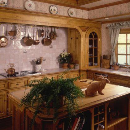 תמונת מטבח עם עץ