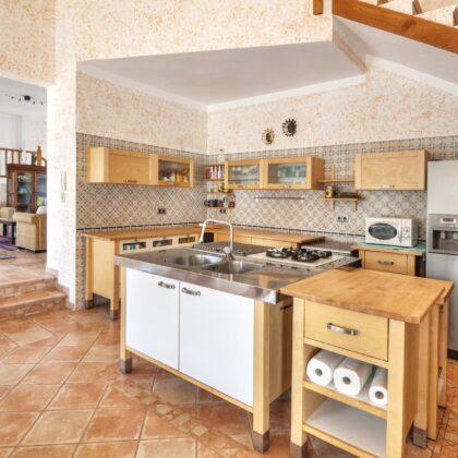 מטבח כפרי עם דוגמאות ואבזור מלא דגם 22 CB