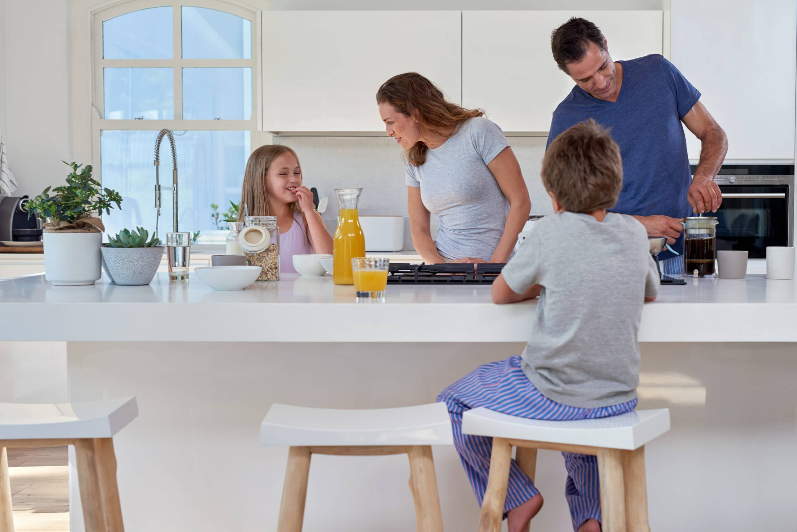 תמונת מטבח מודרני לרווחת המשפחה דגם 11 DS
