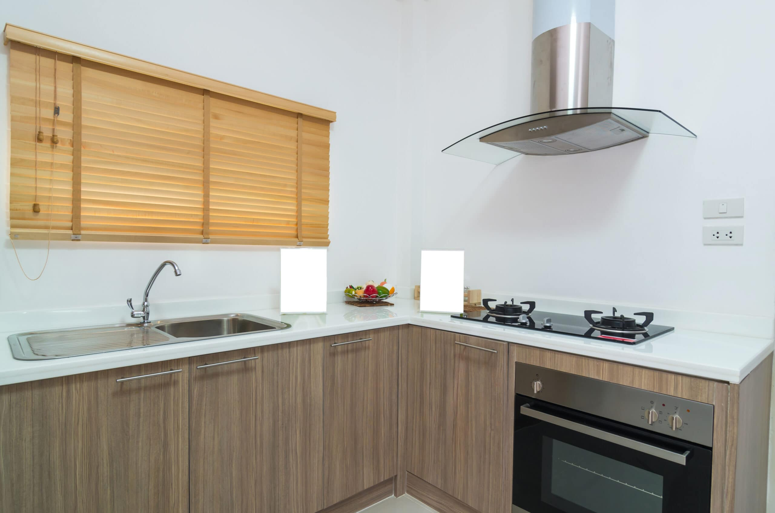 מטבחים מעץ חברות לעיצוב וייצור מטבחי עץ מקצועיים בתחום מטבחי יוקרה בחסות החברה שבה הם עובדים שיודעים לספק פתרונות להתאמת תנורים גדולים לכל מטבח תוך כדי חיבור הכיריים החשמליים ובדיקת תקינותם