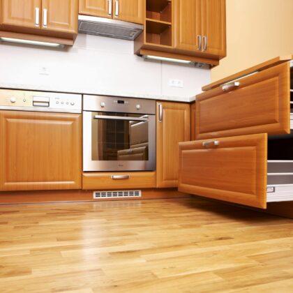 מטבח קלאסי עם חיפוי עץ גימור חלק דגם 23 Diana
