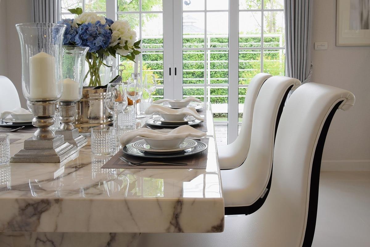 שולחן אוכל עם שיש דגם 7 Caesar
