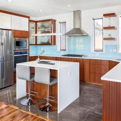 מטבחים מעץ מעצבי מטבחים קלאסיים יודעים לתת שירות מקצועי עם רצון לתת שירות טוב ומקצועי שיודעים לבנות ולהתאים מטבחים תוך כדי תחזוקת מטבחים