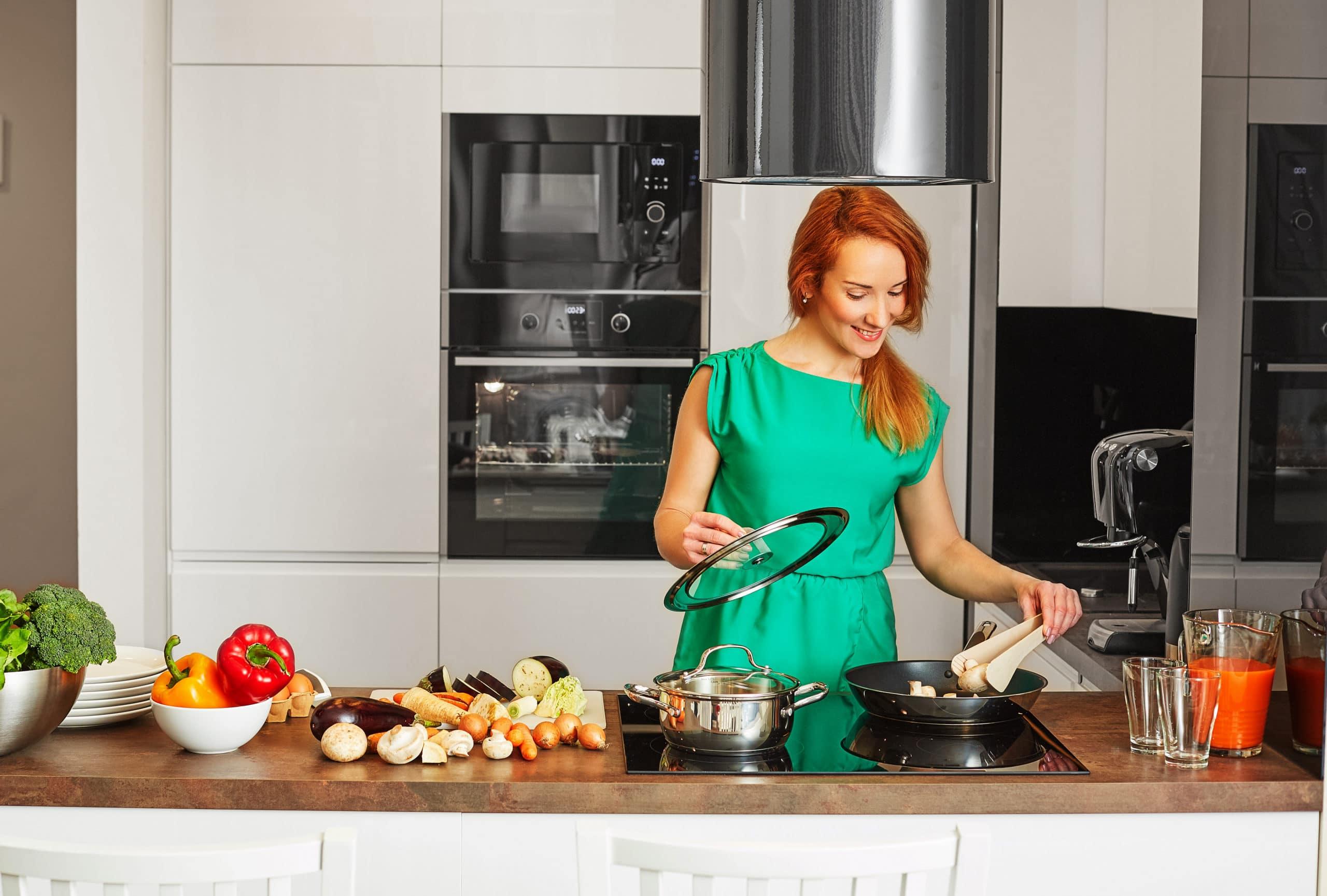 מטבחים מעץ חברות שמוכרות כיורים יוקרתיים למטבחים בעלי הבחנה מקצועית עם מקצועיות ומיומנות ועם הרבה מוטיבציה שיודעים לספק כל סוגי המטבחים לכל דורש תוך כדי תחזוקת מטבחים