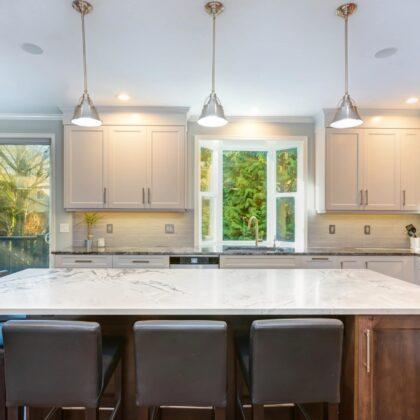 עיצוב מטבחים בהתאמהספקי מטבחים מודרניים אמינים עם הרבה וותק שיודעים לספק כל סוגי המטבחים לכל דורש תוך כדי הפעלת המקרר והתנור ללקוח במטבח שלו