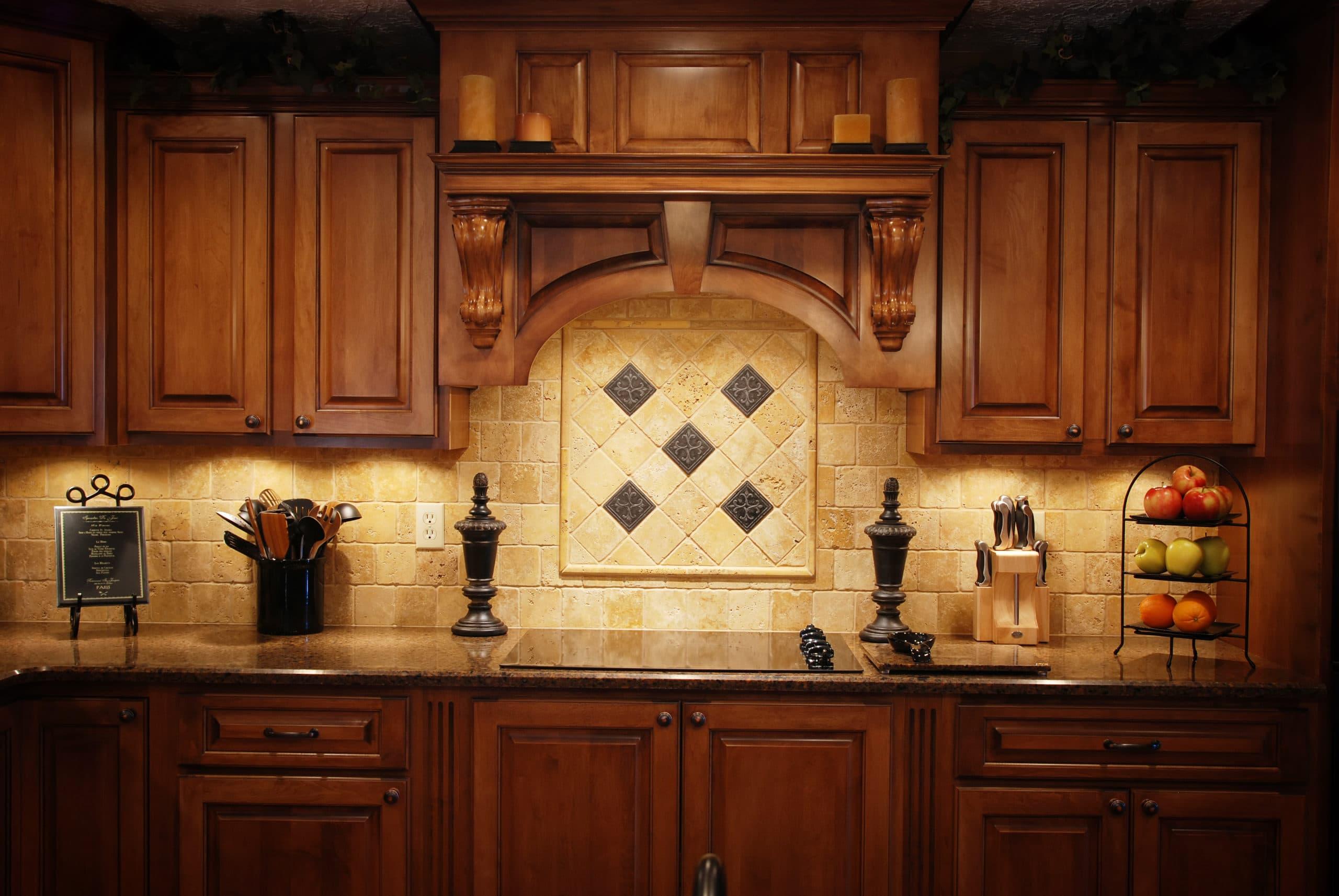 מטבחים מעץ חברות לעיצוב וייצור מטבחים מודרניים בעלי שנות ניסיון עם מלא ידע בתחום ומומחים להקמת אי במטבח מכל חומר תוך כדי חיבור הכיריים החשמליים ובדיקת תקינותם