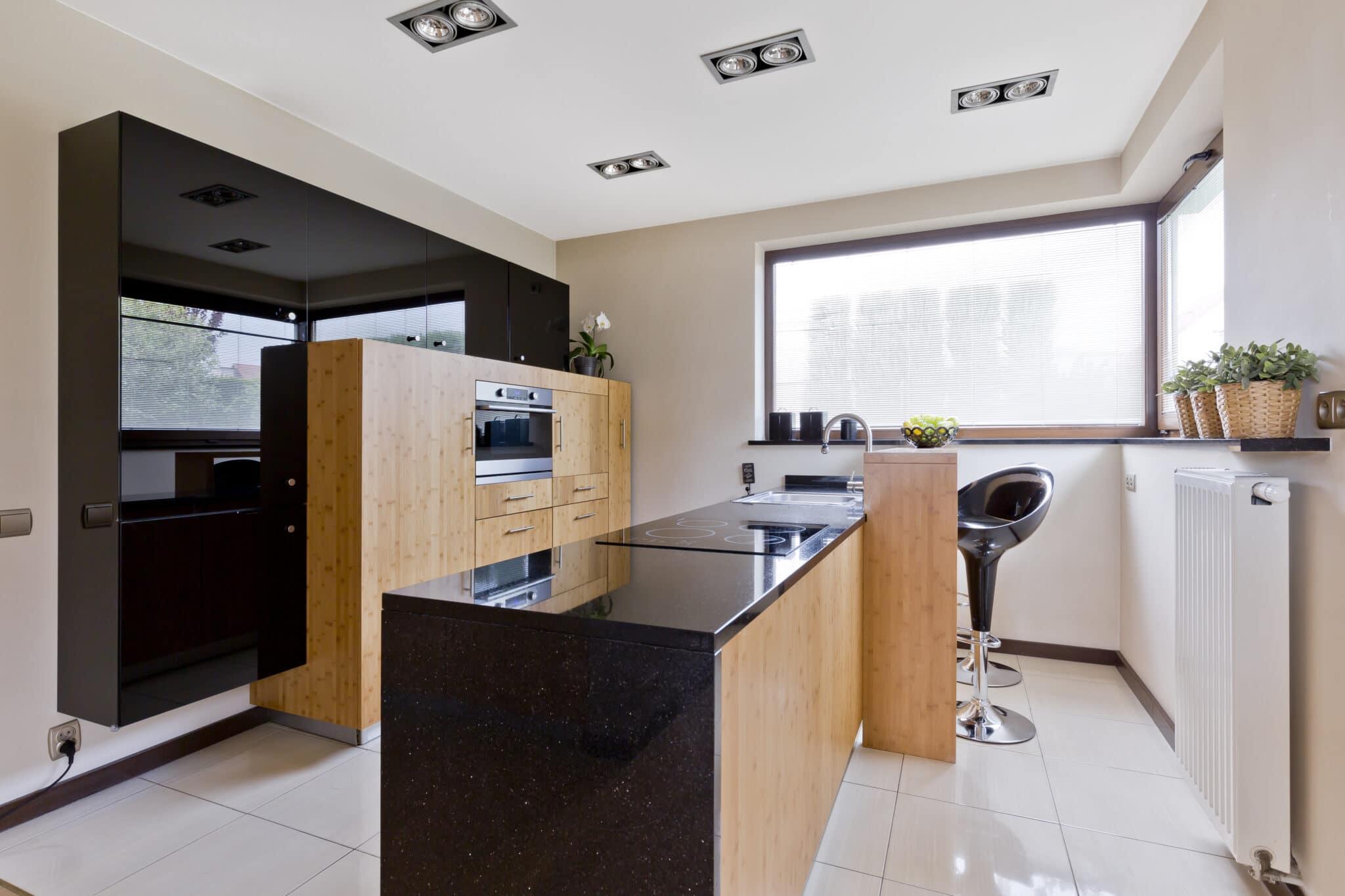 מטבחים מעץ רשת לעיצוב וייצור שיש למטבחים מנוסים עם מלא ידע בתחום שיודעים להתאים מטבחים מתאימים לכל לקוח בד בבד אפיון דרישות הלקוח ומסירת המטבח