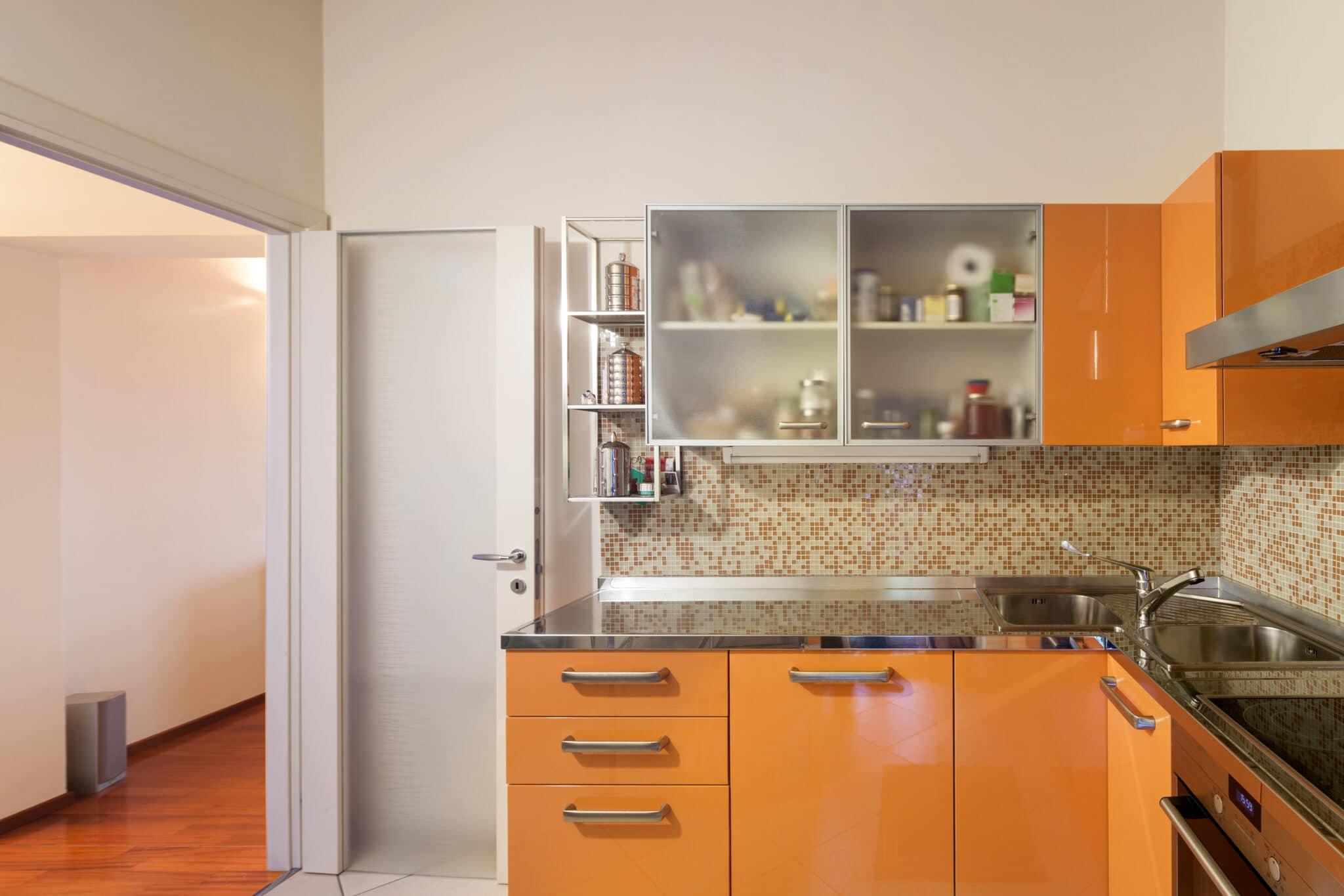 מטבחים מעץ אנשי שיווק המטבחים נותנים שירות מהיר ומקצועי עם מתן אחריות לעבודתם שיודעים לתת אחריות מלאה לעבודתם בד בבד התקנת חיבור גז תיקני במטבח