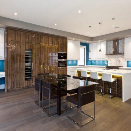 מטבחים מעץ תאורה למטבחים זריזים עם מתן אחריות לעבודתם שיודעים לספק פתרונות יעילים להתאמת תנורים גדולים לכל מטבח במקביל להפעלת המקרר והתנור ללקוח במטבח שלו