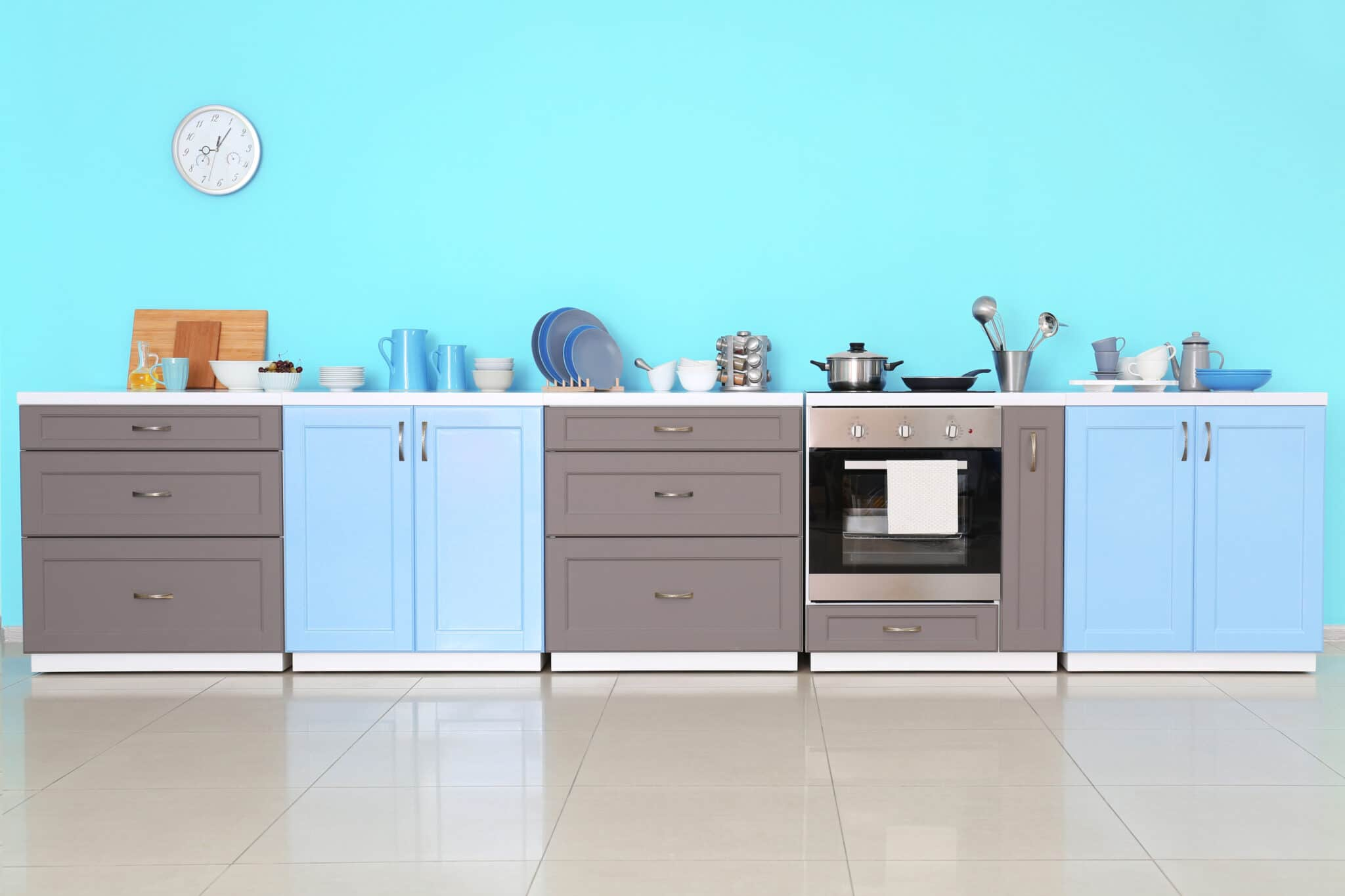 מטבחים מעץ רשת לעיצוב וייצור מטבחים קלאסיים מקצועיים בתחום מטבחי יוקרה עם מתן אחריות לעבודתם שיודעים לספק פתרונות יעילים להתאמת תנורים גדולים לכל מטבח במקביל לשימוש בחומרים מעולים