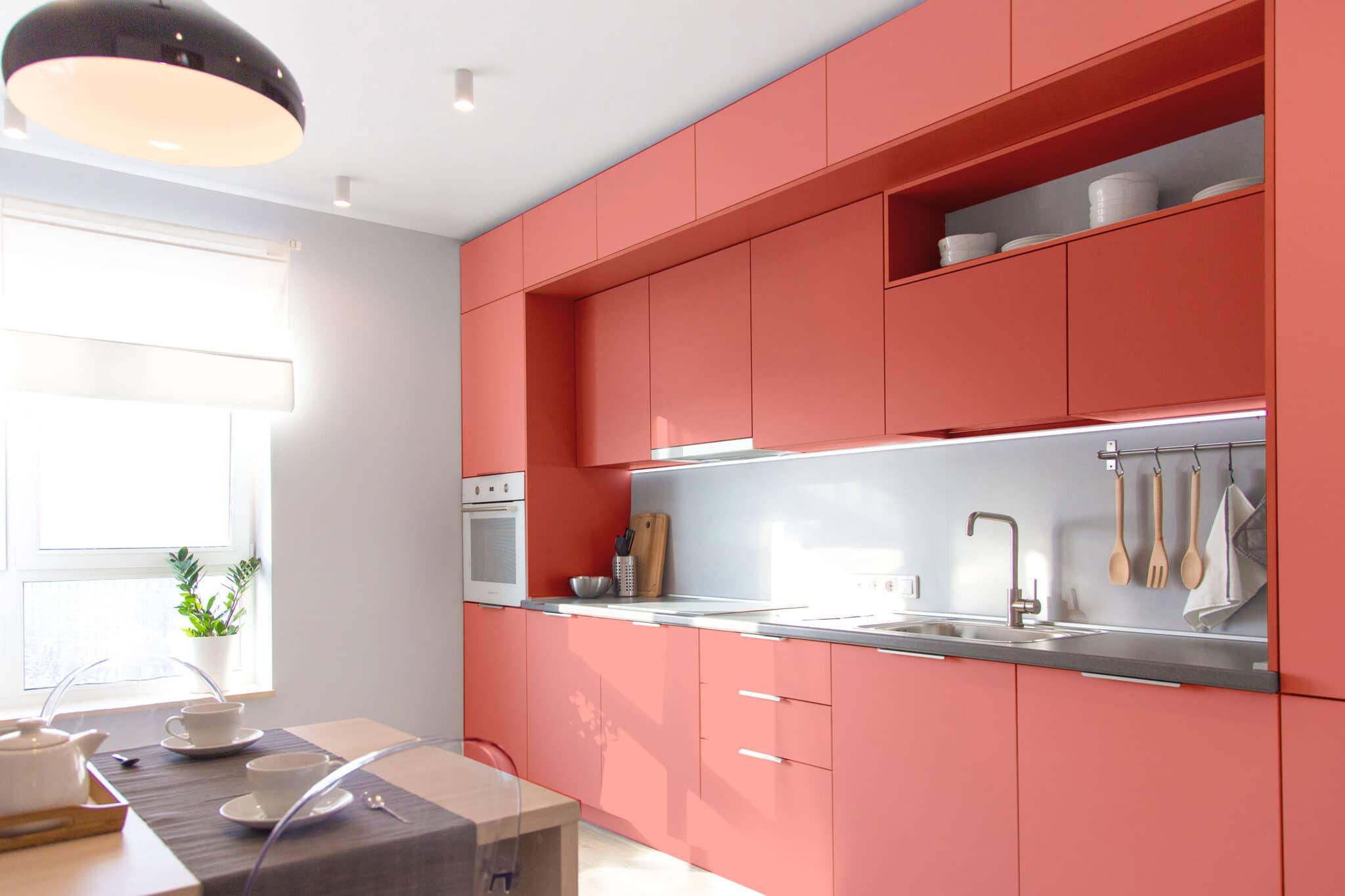 מטבחים מעץ מעצבי השיש במטבחים אשר יודעים לתת שירות טוב עם רישיון והסמכה ומומחים להקמת אי במטבח מכל חומר בד בבד התקנת חיבור גז תיקני במטבח