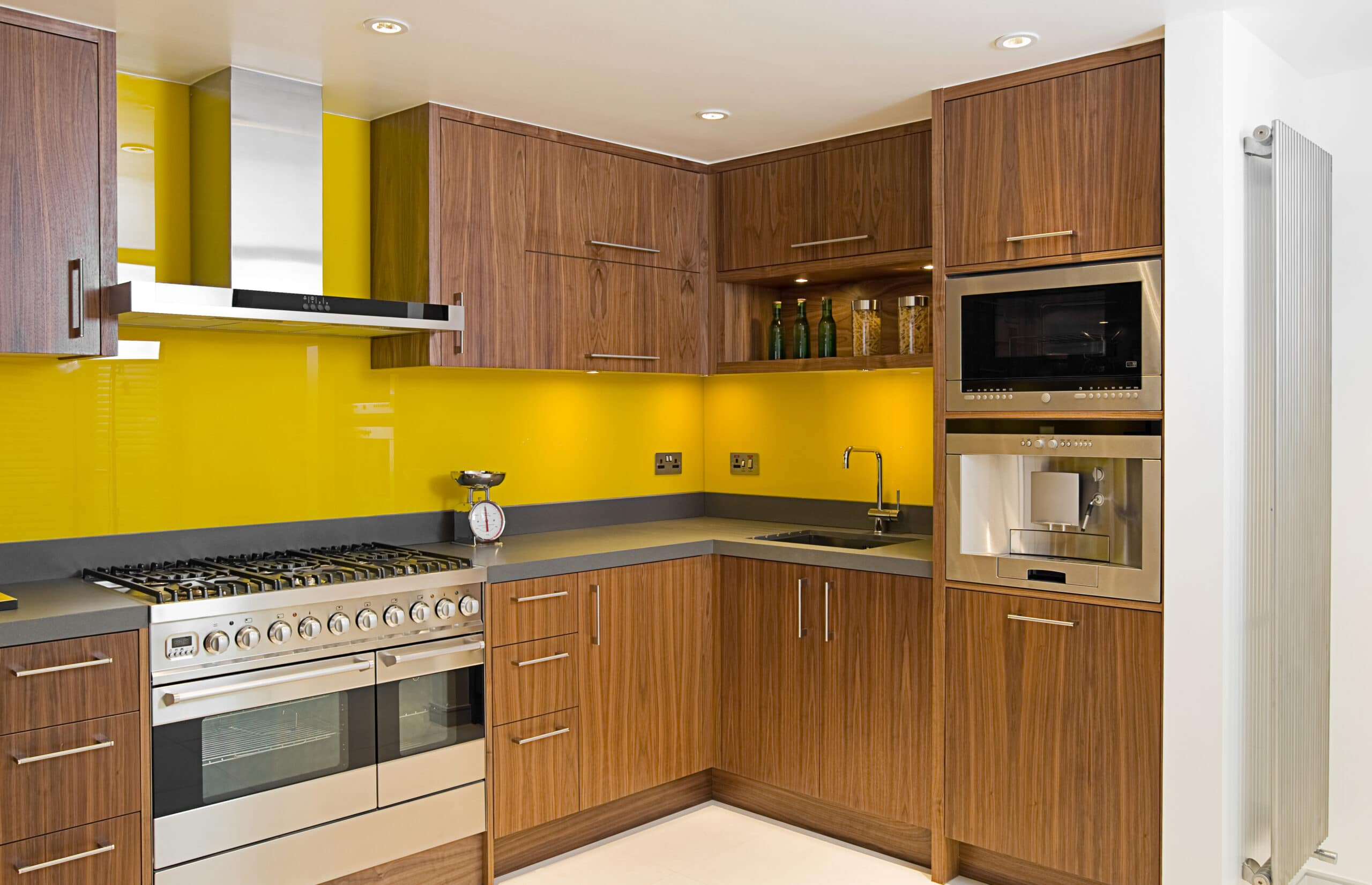 מטבחים מעץ רשתות מוכרות לעיצוב והרכבת מטבחים בעלי ניסיון עם הרבה וותק שיודעים להתאים מטבחים מתאימים לכל לקוח במקביל לשימוש בחומרים מעולים