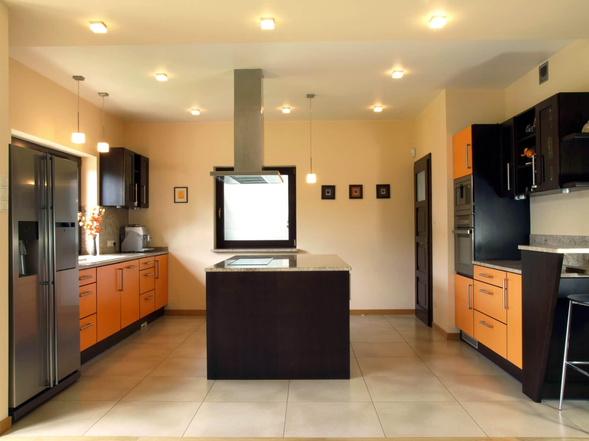 עיצוב מטבחים בהתאמהמעצבי מטבחים קלאסיים זמינים בכל זמן עם יכולות טכניות גבוהות באספקה ושירות שיודעים לספק שירות אדיב ומקצועי, שמומחים לשירותי ייצור ועיצוב מטבחים בד בבד אפיון דרישות הלקוח ומסירת המטבח