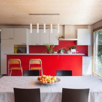 מטבחים מעץ רשת לעיצוב וייצור מטבחים כפריים עם ציוד מקצועי עם נכונות לתת שירות מקצועי שיודעים לספק שירות אדיב ומקצועי, שמומחים לשירותי ייצור ועיצוב מטבחים במקביל לשימוש בחומרים מעולים
