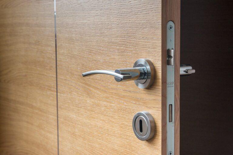 דלת פנים דגם P7