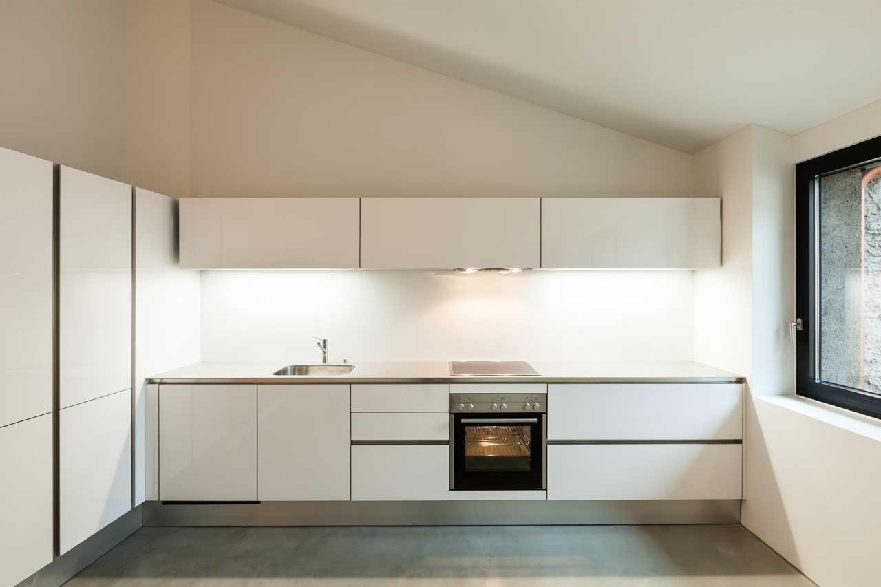 מטבחים מעץ חברות לעיצוב וייצור מטבחים קלאסיים מומחים עם רישיון והסמכה שיודעים לתת אחריות לעבודתם תוך כדי הפעלת המקרר והתנור ללקוח במטבח שלו