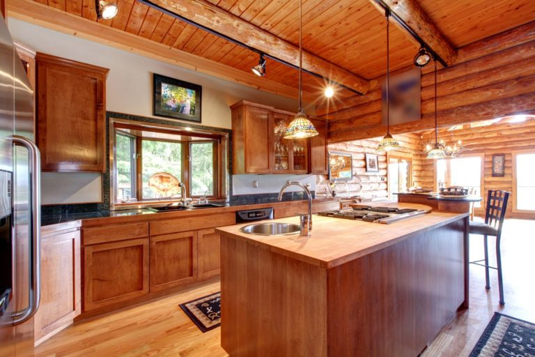 country-kitchens-768x512