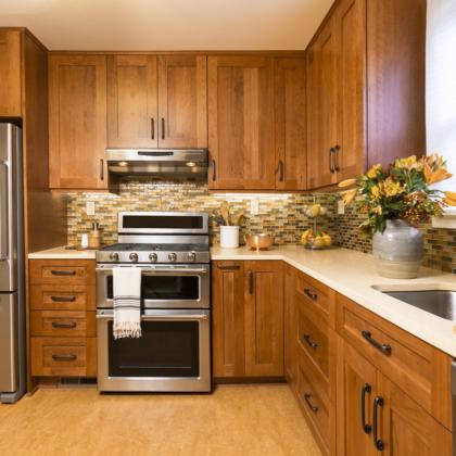מטבחים מעץ חברות לעיצוב וייצור שיש למטבחים מיומנים עם מתן אחריות לעבודתם שיודעים לספק כל סוגי המטבחים לכל דורש תוך כדי חיבור הכיריים החשמליים ובדיקת תקינותם