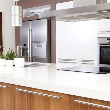 מטבחים מעץ חברות לעיצוב מטבחים זמינים בכל זמן עם רצון לתת שירות טוב ומקצועי ומומחים להקמת אי במטבח מכל חומר תוך כדי חיבור הכיריים החשמליים ובדיקת תקינותם