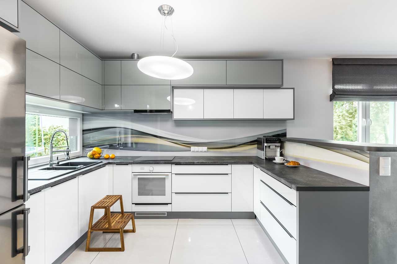 מטבחים מעץ חברות לעיצוב וייצור שיש למטבחים מנוסים עם מקצועיות ומיומנות ועם הרבה מוטיבציה שיודעים להתאים לכל לקוח מטבחים מתאימים תוך כדי הפעלת המקרר והתנור ללקוח במטבח שלו
